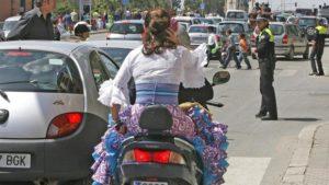 Ir en moto a la Feria de Sevilla.