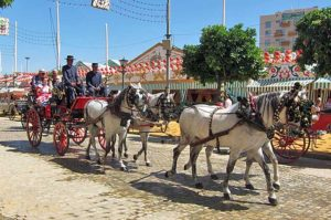 Coche de caballos en la feria de Sevilla.